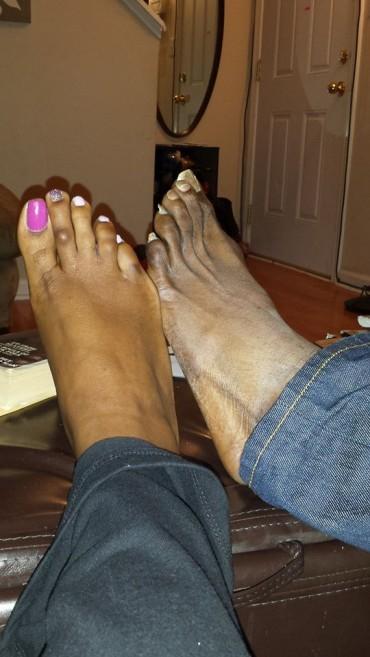 Melanie feet